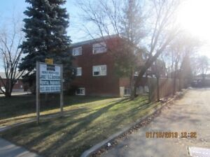 HURRY! - Large & Bright 2 Bedroom - CLEAN & QUIET Building