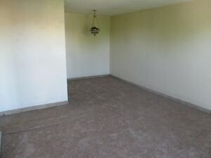 BEAUTIFUL ONE BED ROOM CONDO IN SOUTH CALL 519-673-9819 London Ontario image 2