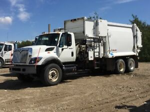 2009 AUTOMATED SIDELOADER GARBAGE TRUCK MODEL 7400