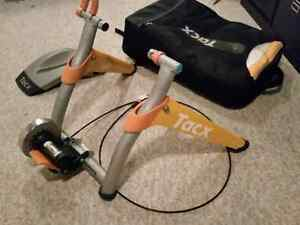 TacX Satori Cycling Trainer, heavy duty case