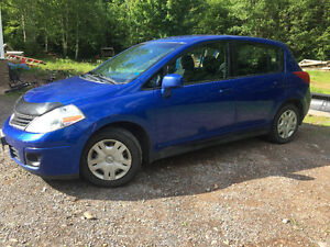 NEW ASKING PRICE!!!! 2011 Nissan Versa S Hatchback