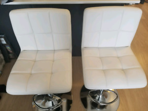 STRUCTUBE LEATHER COUCH PLUS 2 LEATHER BAR STOOLS FOR SALE!