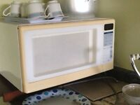 MINT CONDITION MICROWAVE