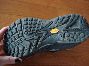 Merrell sporty shoes London Ontario image 4