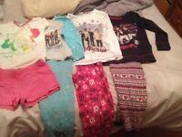 Girls Age 6/7 Years Pyjames all Vgc