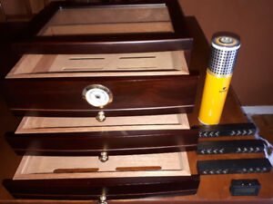 ❤️Empty Cigar Humidor for 150 cigars❤️