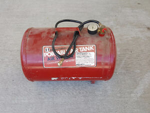 Portable air tank with tire chuck