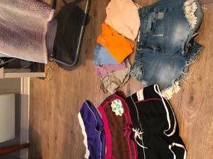 Lot vêtements femmes et adolescentes