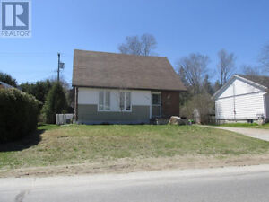 Detached Home In Elliot Lake! Priced to Go! Call To View!