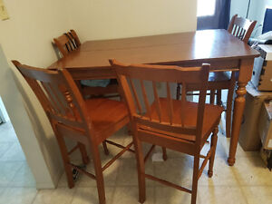 Solid wood table $200.