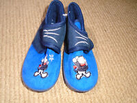 ☺SHOES KIDS ☺ 5$  Kids Home Shoes – new , never worm  US size:10