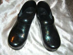 Dansko new shoes 7 1/2 US size Oakville / Halton Region Toronto (GTA) image 2