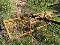 Hydraulic swath fluffer