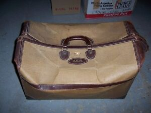 VINTAGE /retro DOCTOR'S BAG/Luggage ??