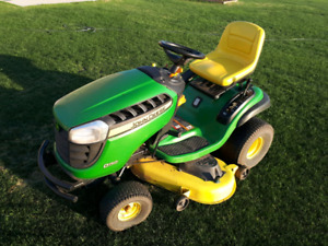 John Deere D150 Lawnmower