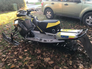 2018 SNOWMOBILE FOR SALE