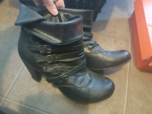 Sz  8  leather shoes