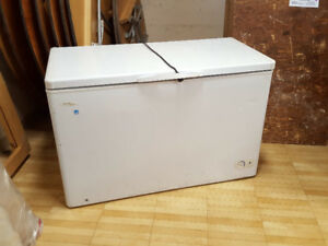 FREEZER CHEST - 16 CUBIC FEET