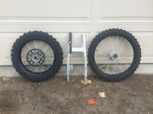 KX100 (Supermini) Swing Arm & Wheels