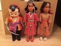20 vintage dolls