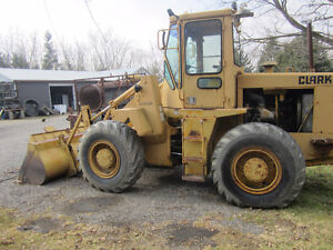 Clark Wheelloader 45C with 8 foot bucket and 11 foot blade