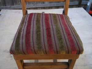 ANTIQUE LITTLE FOLDING CHAIR ( CHILDS ) Cornwall Ontario image 5