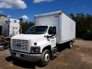 2003 GMC C6500 TOPKICK. 20ft box truck