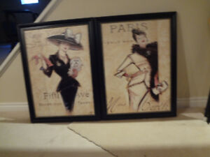 2 framed pictures /paris and new york
