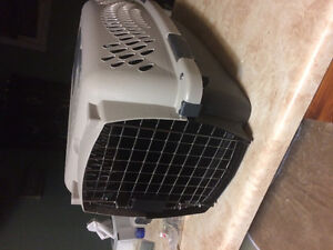 Small pet carrier/kennel/crate