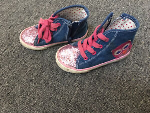 Toddler girl- Size 8 Sparkle Owl sneakers