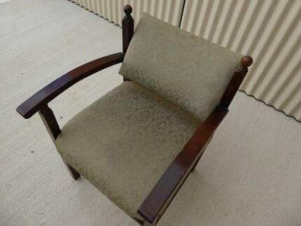 Retro swing back armchair