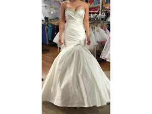 Enzoani Mermaid Wedding Dress