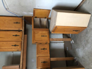 Kitchen cabinets Oakuppers only32 x 2432 x 1822 x 3616 x 2