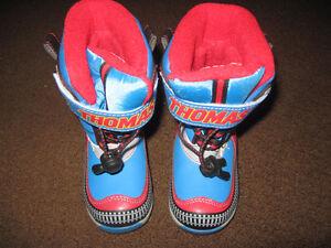 Size 6 THOMAS WINTER BOOTS
