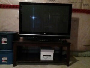 50 INCH LG FLATSCREEN TV WITH TV STAND ONLY 200