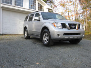 2005  Pathfinder, Loaded,Auto,Mint Condition (SOLD)
