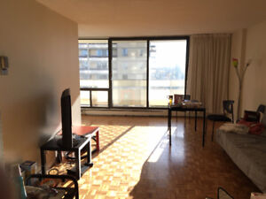 Sublet Large 2 bedroom apartment IMMEDIATELY St James