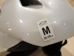 Smith Premise White Youth Size Medium Snowboard-Ski Helmet Kitchener / Waterloo Kitchener Area image 7