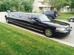 2006 Lincoln Town Car Stretch Limousine