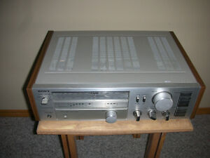 VINTAGE SONY AM/FM STEREO RECEIVER