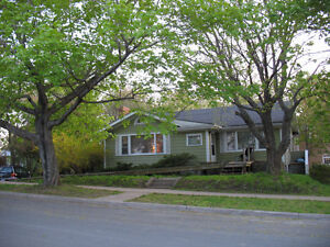 3 bedrooms, spacious bungalow in south end Halifax