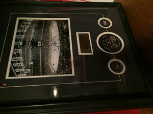 OBO Framed toronto maple leafs & Montreal Canadiens