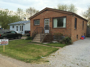 FOR SALE! COLCHESTER! SURROUNDED BY BEACHES AND WINERIES!