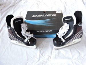 NEW! Bauer Challenger Youth Hockey Skates, size 11.