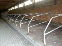 cattle freestalls galvanised cattle divider with headrail
