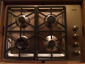 Miele Stovetop and hood fan