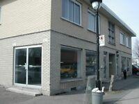 Local Commercial *900 ou 1,800 pi ca*, à louer au 2053 et/ou 205
