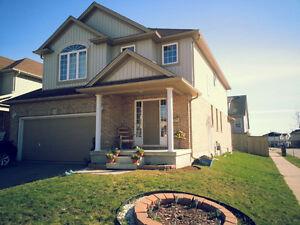 beautiful 4 +3 bedroom house near vista hill Kitchener / Waterloo Kitchener Area image 1