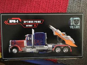 Optimus prime master piece mpm-4
