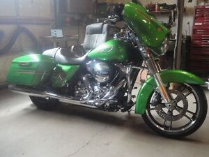 MINT!!! HARLEY STREET GLIDE...SAVE 30% FROM BUYING NEW
